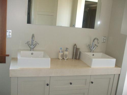 Stone engineered stone bathroom vanity queenstown for Bathroom design queenstown